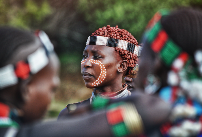 painted faces on bulljumping ceremony