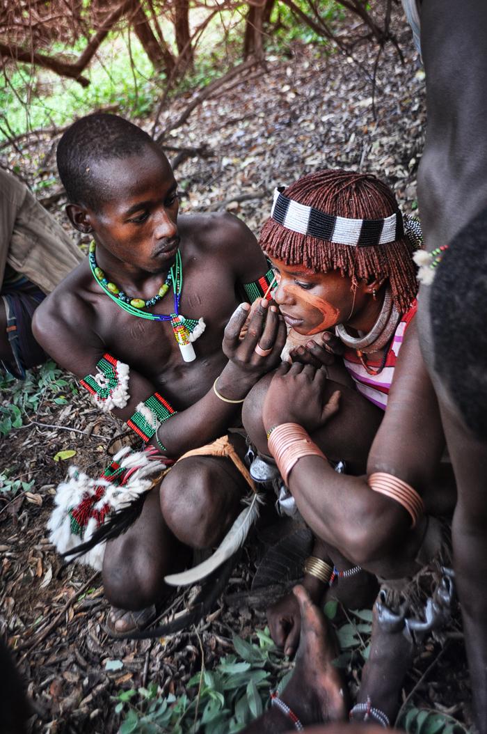 preparing for hamer ritual Ukuli Bula